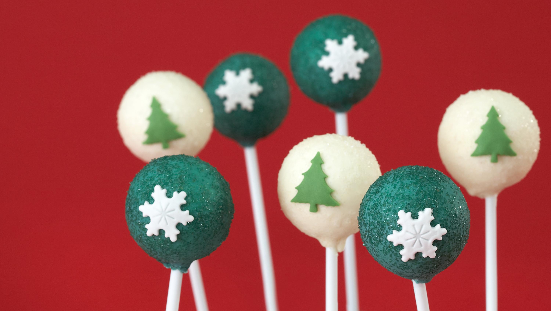 Christmas Sparkle Cake Pops Recipe