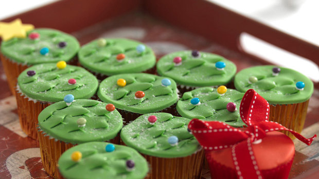 Christmas Tree Tear and Share Cupcakes Recipe