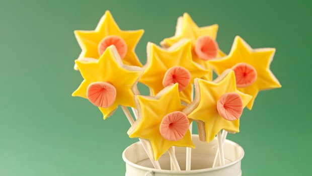 Daffodil Biscuit Pops Recipe
