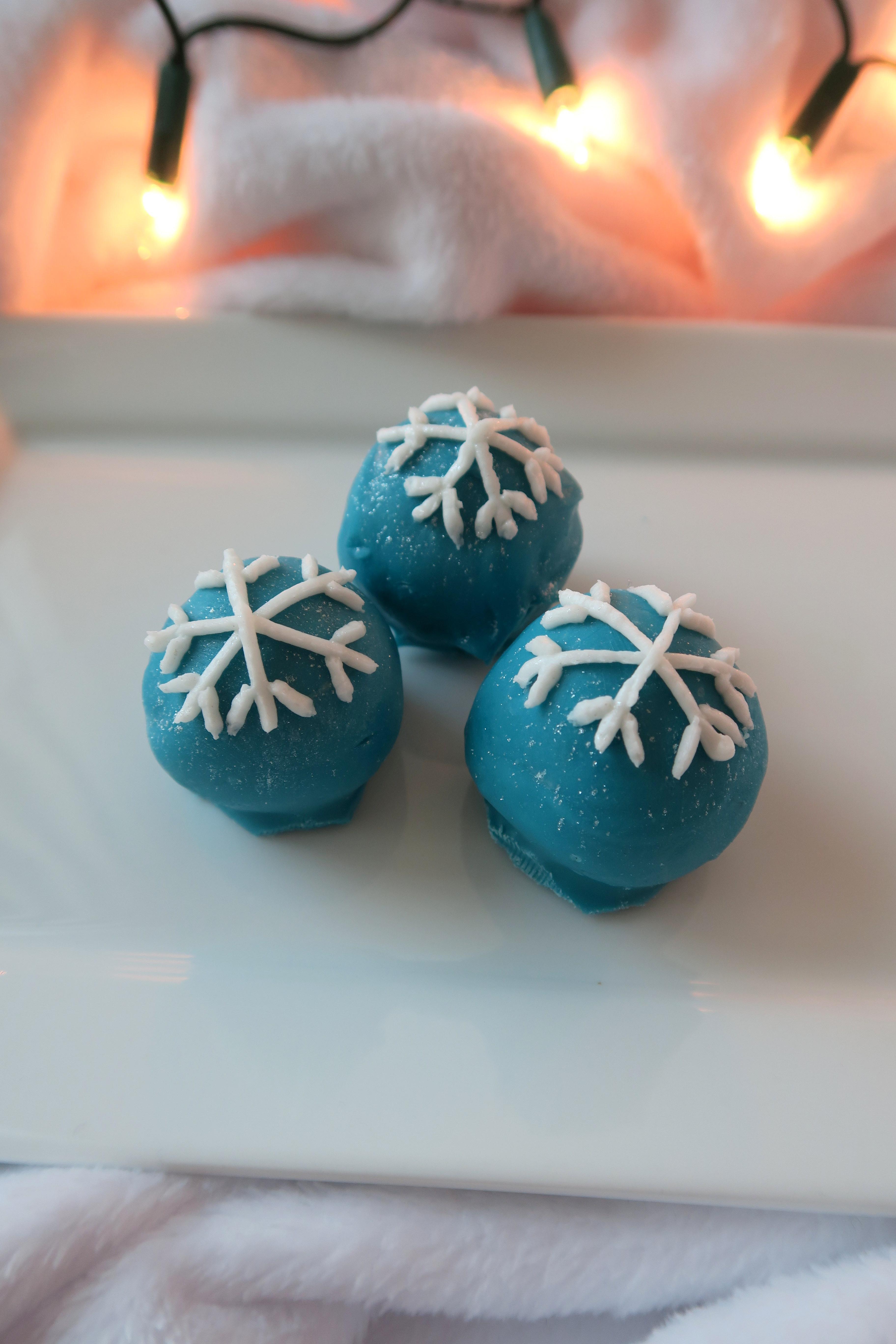 Christmas Spiced Cake Truffles