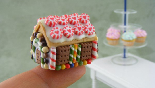 The Most Incredible Gingerbread Houses – Far Too Good To Eat - Renshaw  Baking